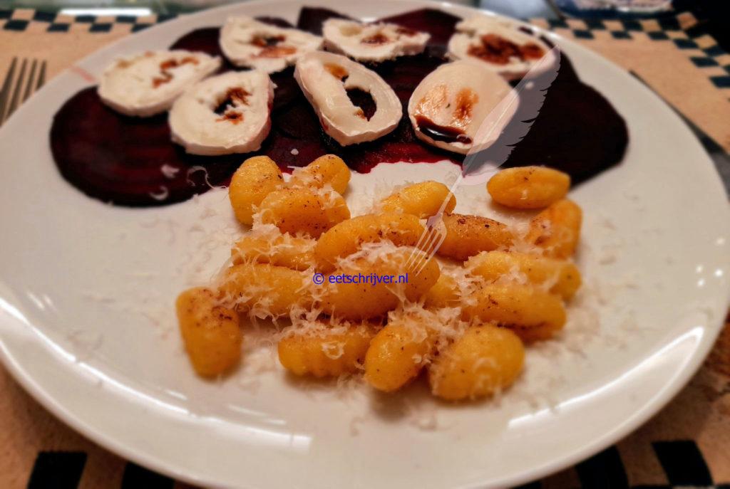 Gepofte Choggiabiet met geitenkaas en gebakken gnocchi